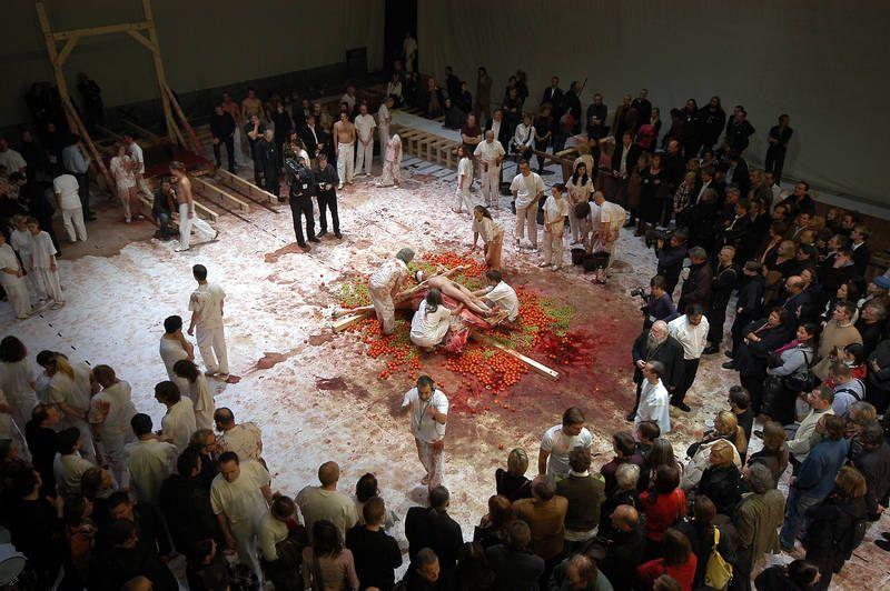 Nitsch Aktion am Burgtheater Wien (c) Nitsch Foundation