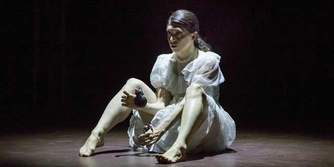 er Dybbuk or Dolores it's time to hang up the castanets. Foto: Rolf Arnold