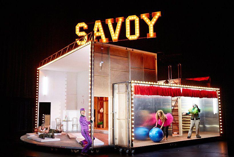 """Ein Ort, eine Welt, das Hotel """"Savoy"""" © Karl-Bernd Karwasz"""