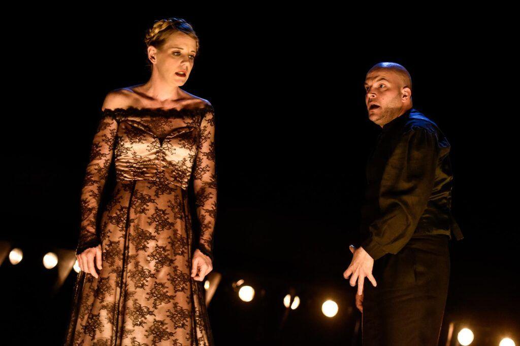 """Deutsche Theater """"Gespenster"""" © Arno Declair"""