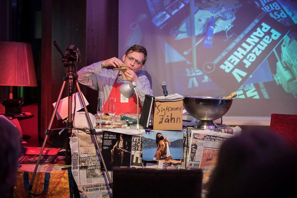 Kunstwerkbastelstunde mit Clemens Meyer. Foto: Anna Kolata