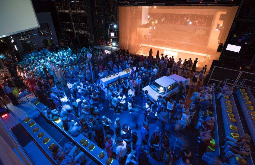 Alle auf die Bühne © Falk Wenzel / Sebastian Hannak