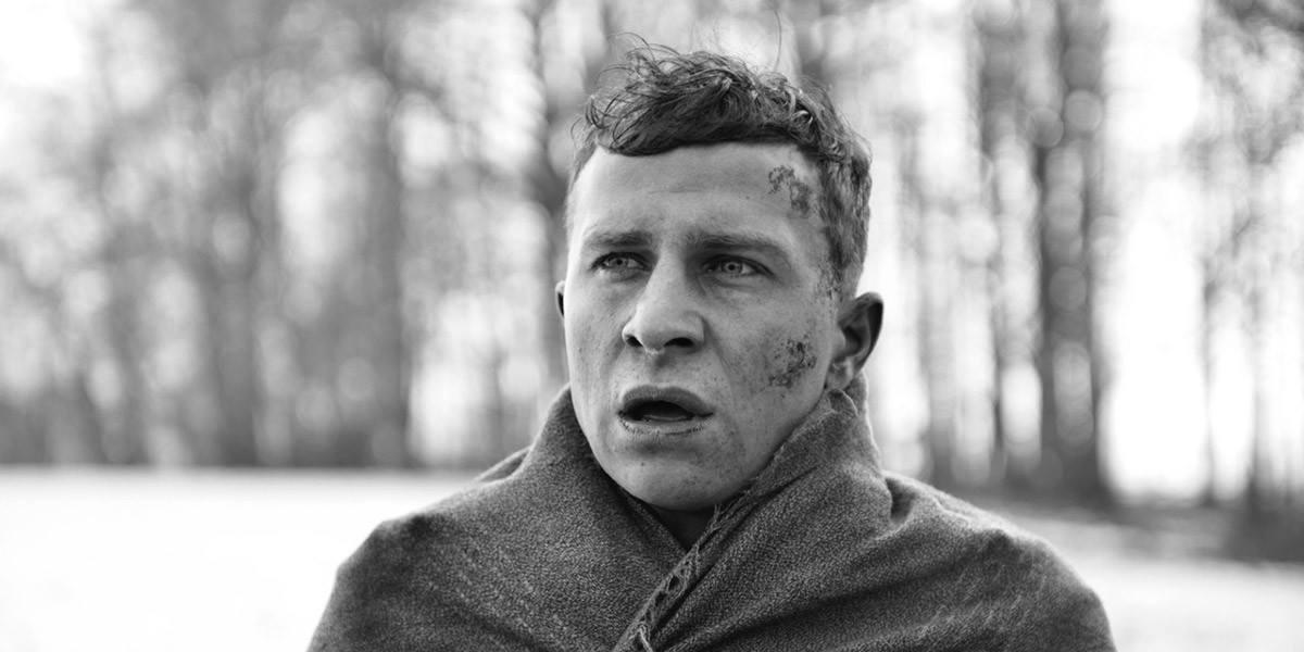 """Max Hubacher als """"Der Hauptmann"""" © Weltkino Verleih"""