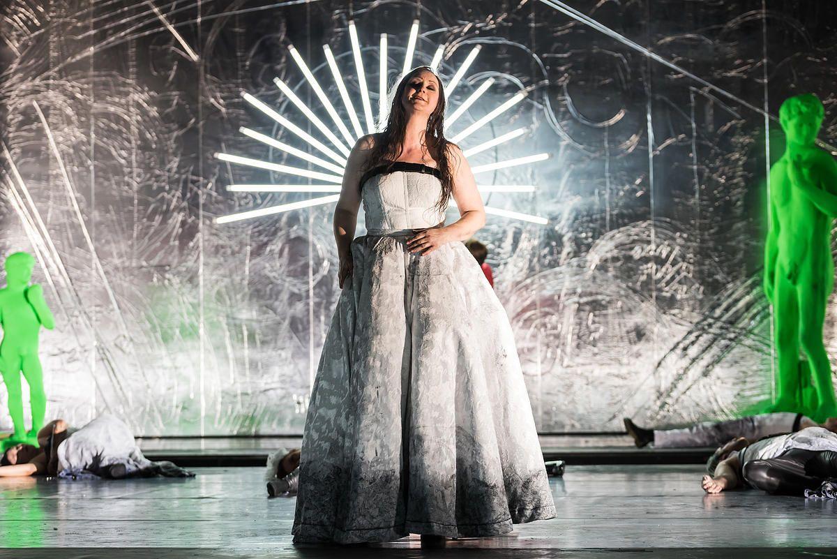 Ariadne auf Naxos an der Hallenser Oper © Anna Kolata