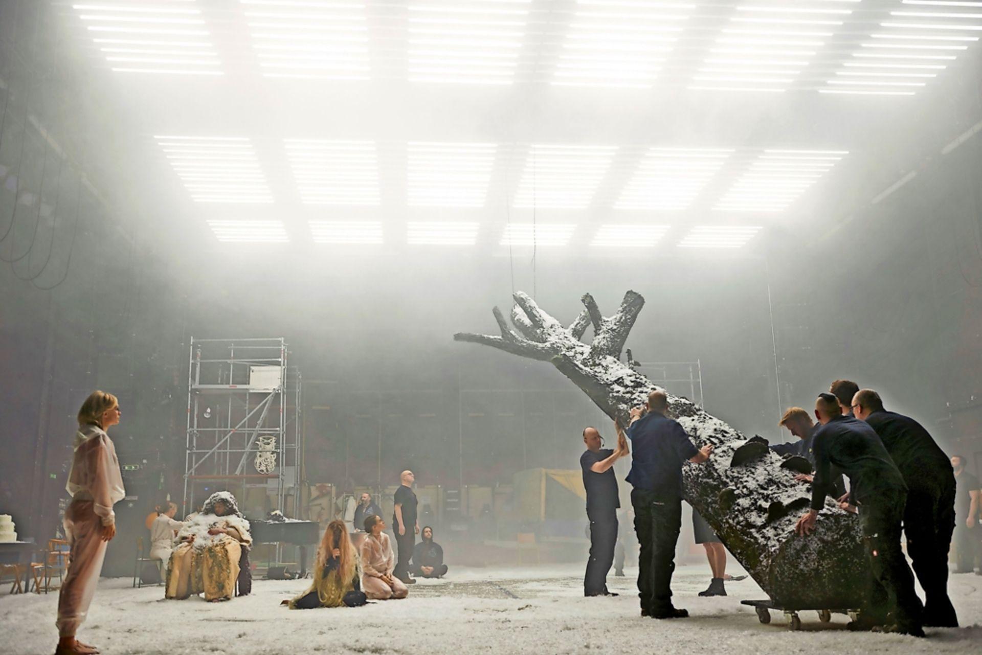 Aenarssons EDDA am Schauspiel Hannover © Katrin Ribbe