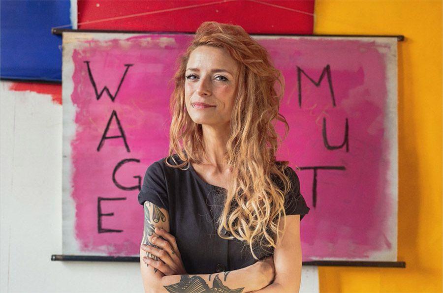 Fresse zeigen für WAGEMUT - Sarah Lesch, Sängerin aus Leipzig-Neulindenau