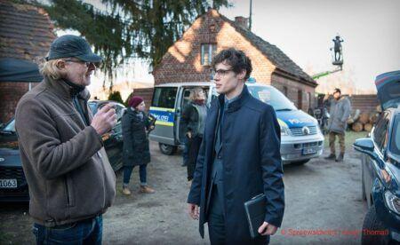 Ron Helbig und Regisseur Kai Wessel beim Dreh zum neuen Spreewaldkrimi © ZDF